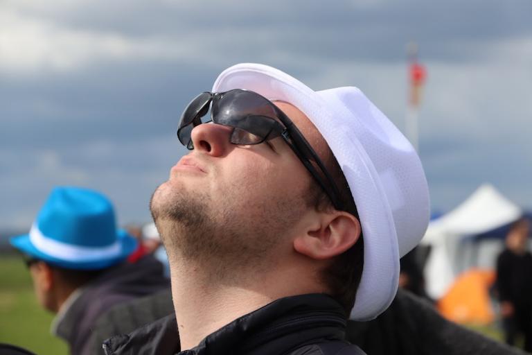Mathieu le scruteur, avec 2 lunettes forcément.