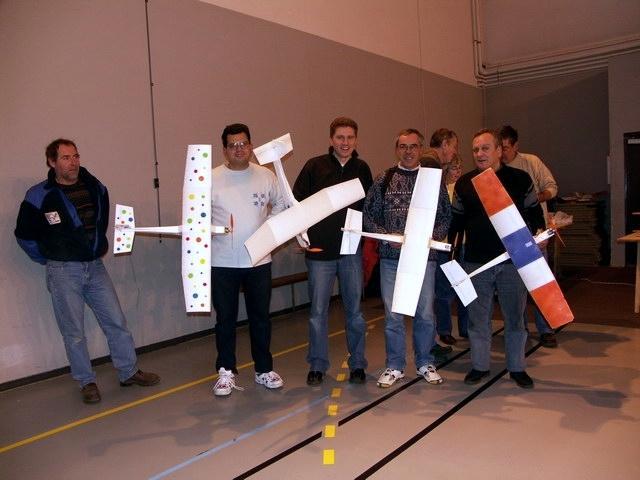 L'équipe victorieuse des Coucous aux 91 mn indoor de l'Essonne