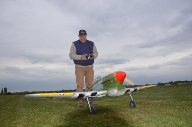 Patrick Baudin au décollage de son Typhon